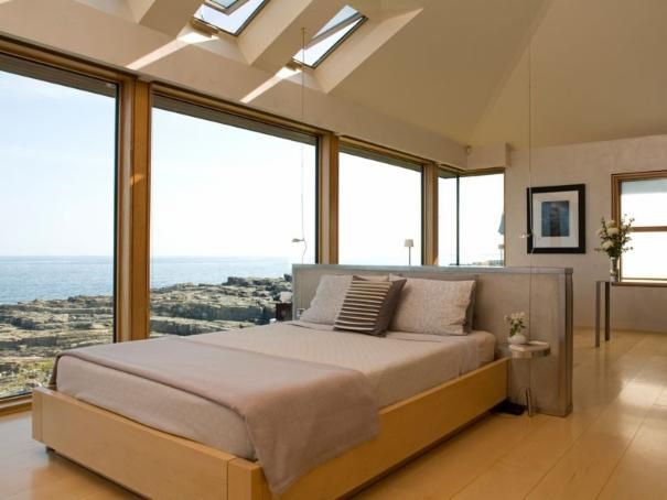 Put Bed In Middle Of Room To Take Advantage Of Views Low Headboard Sturdy Great Feng Shui Bed In Middle Of Room Bed Against Wall Modern Bedroom