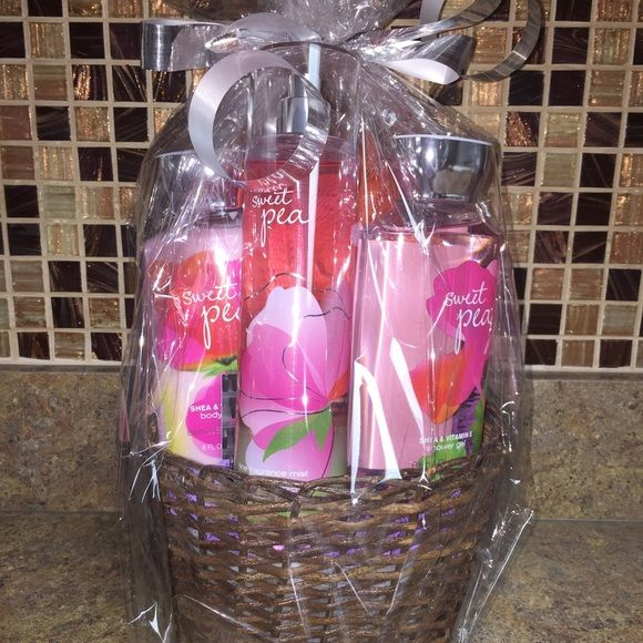 bath and body works  sweet pea all full sized bath and