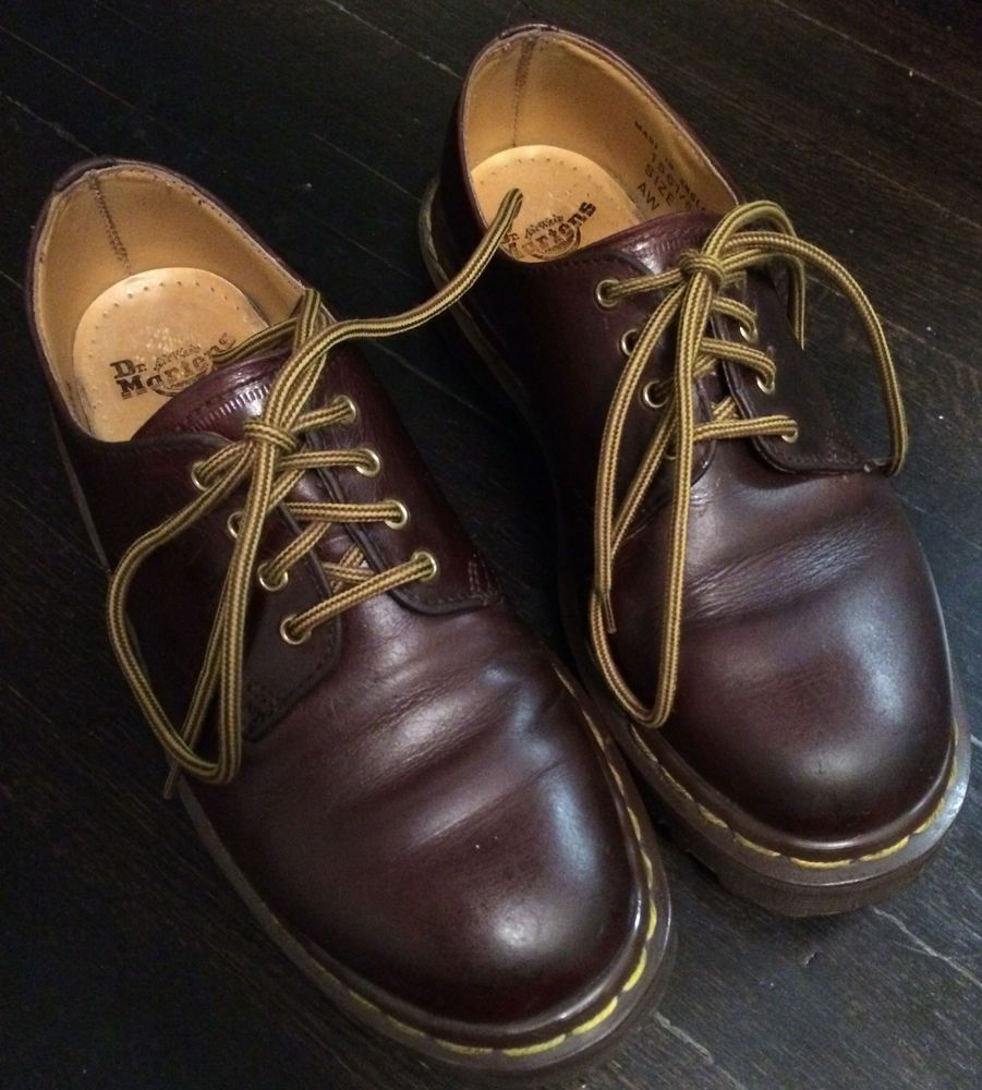 Made in England DR MARTENS KIDS Size 4. 1561 Brown Leather Oxford. NO  RESERVE
