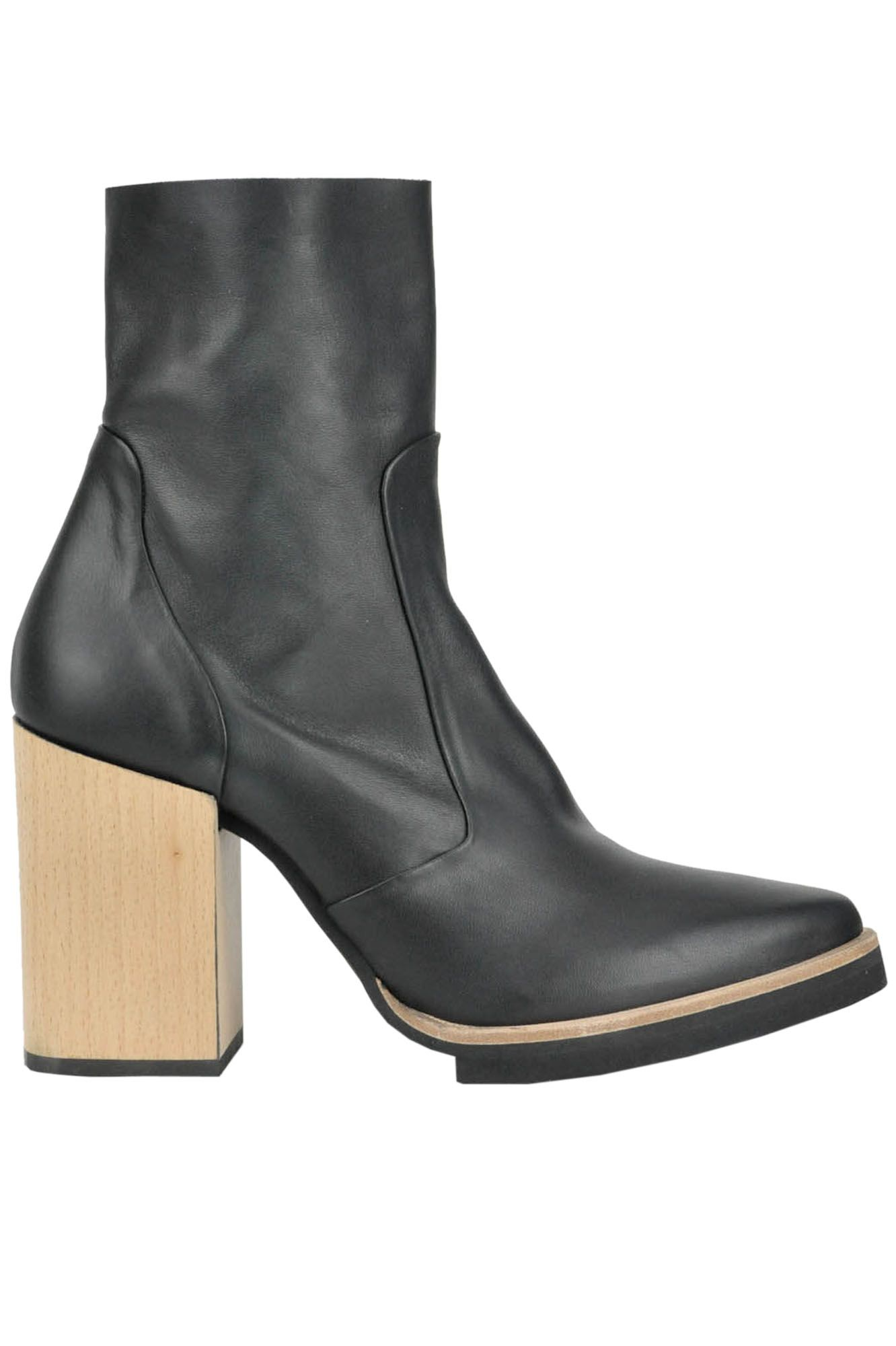 f685081ad Buy JFK Boots and Ankle boots on glamest.com Fashion Outlet