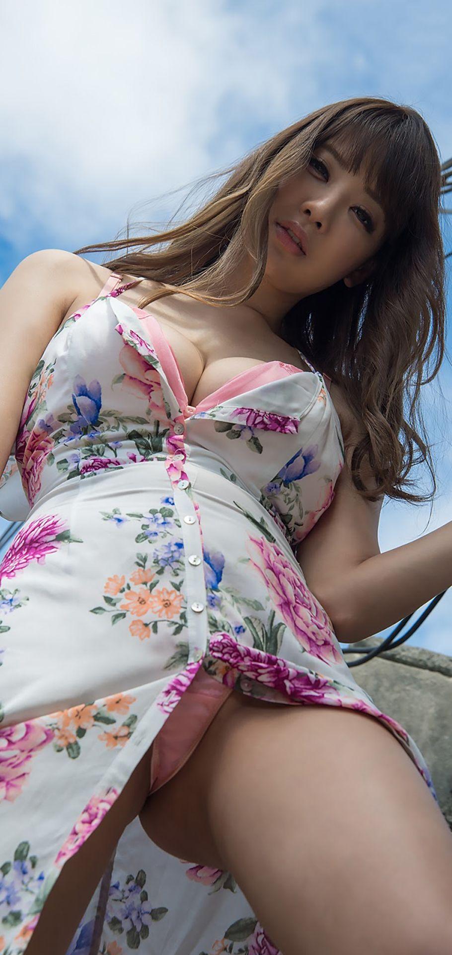 Asian girl panty peek