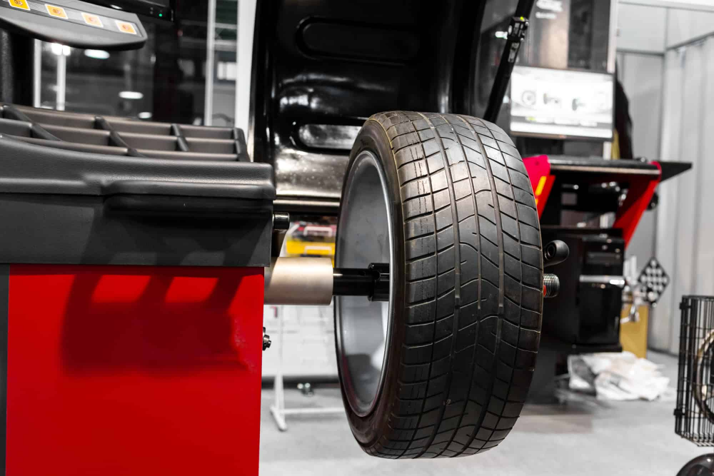 Wheel Alignment Balancers In 2021 Wheel Alignment Best Workplace Alignment