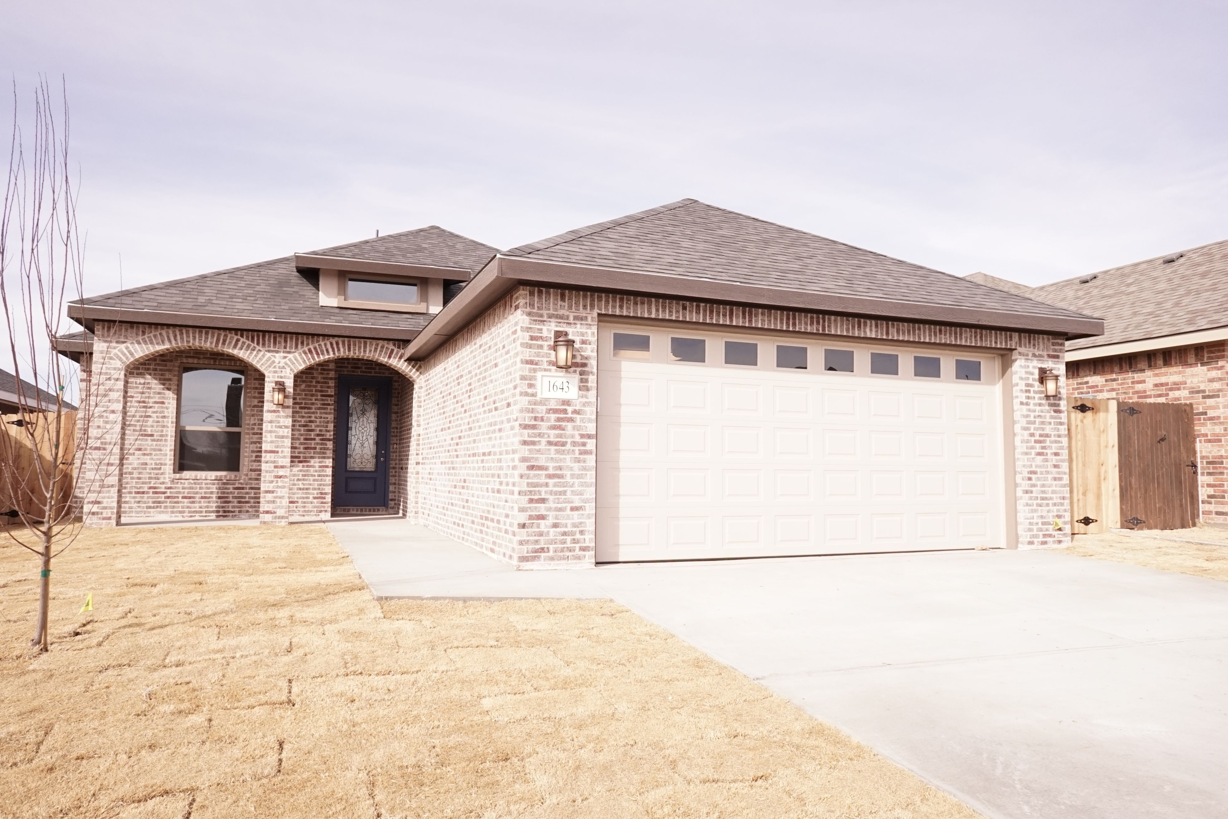 The Samantha Elevation B Dr3 Exterior Color Scheme By Permian Homes Odessa Tx Exterior Color Schemes New Homes Home