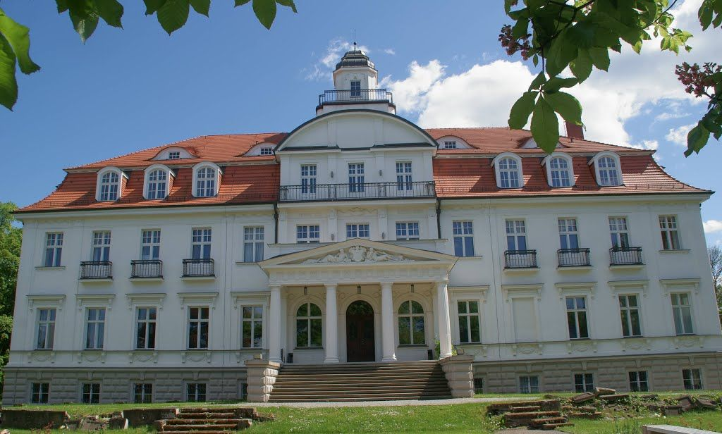Panoramio - Photo of Genshagen, Gutshaus