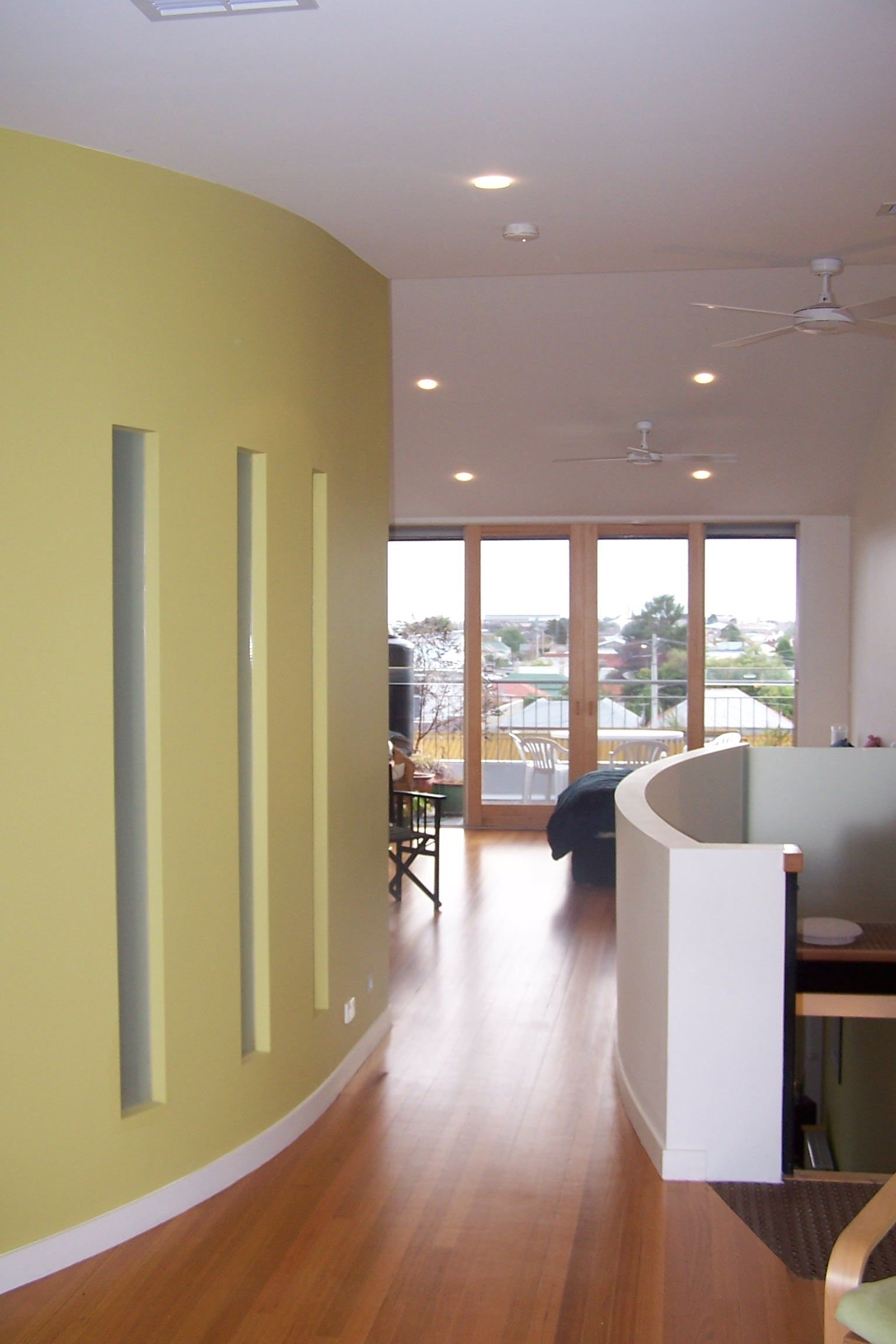 Best Main Bedroom Ensuite Sitting Level Ensuite Room 400 x 300