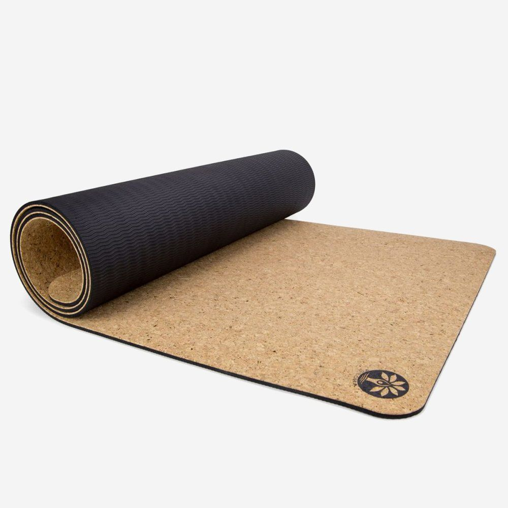 9 Best Eco Friendly Yoga Mats Accessories For Workouts Or Meditation In 2020 Eco Friendly Yoga Mats Natural Yoga Mat Yoga Mat