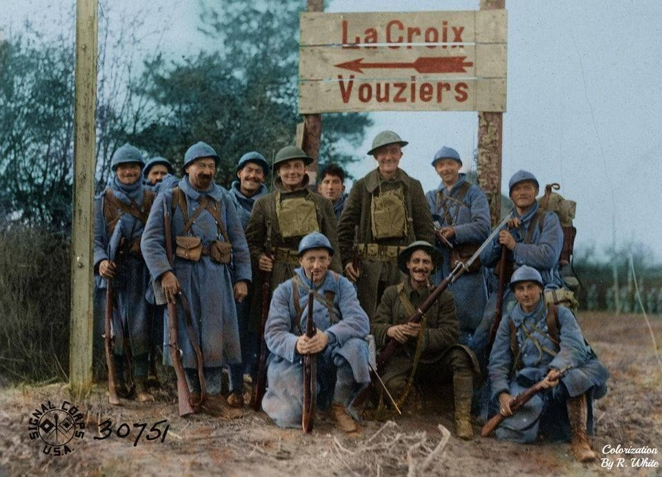 American Soldiers And French Soldiers Somewhere In France 1918 World War I World War One American Soldiers