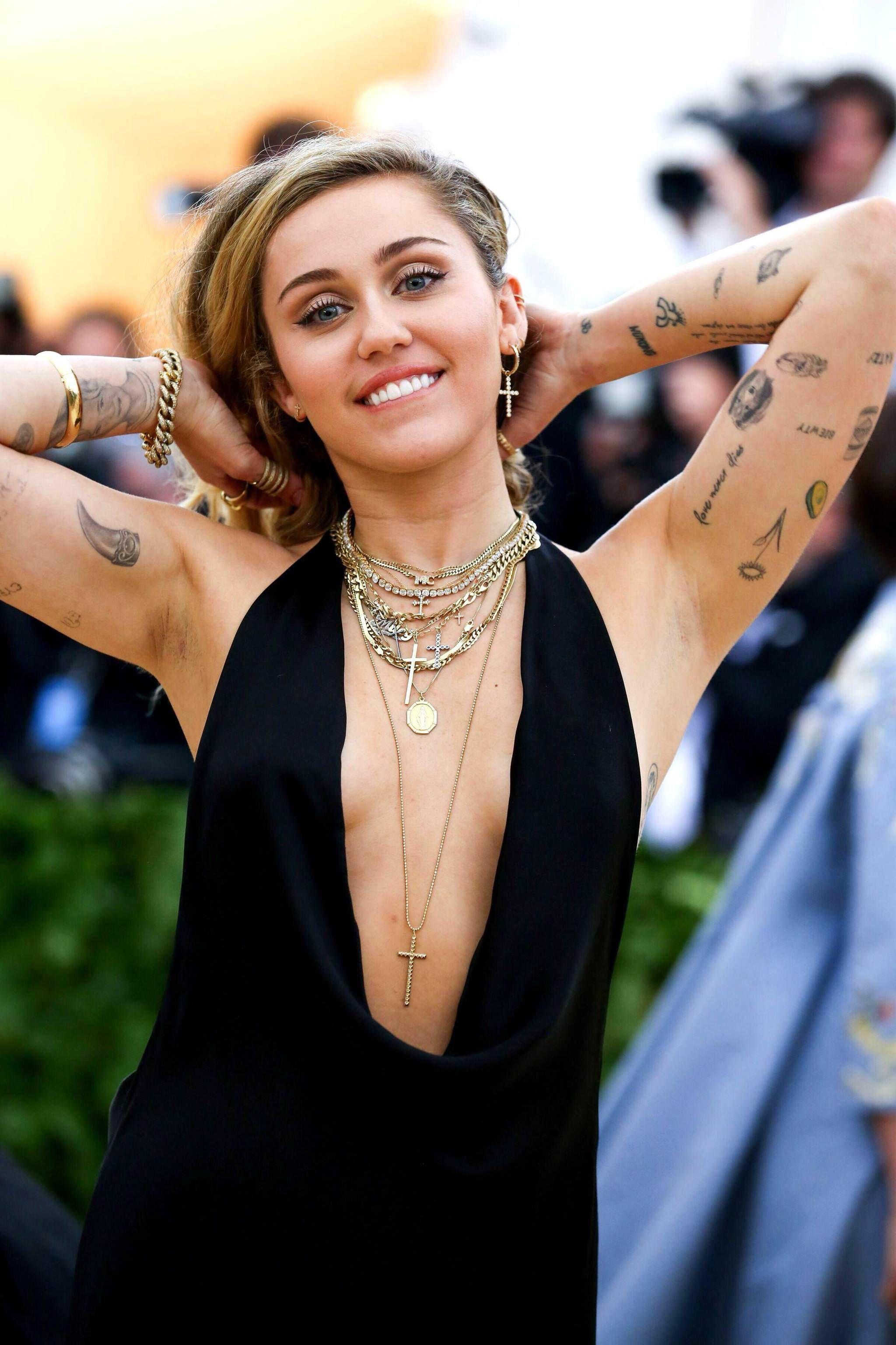 Cyrus miley armpit pictures