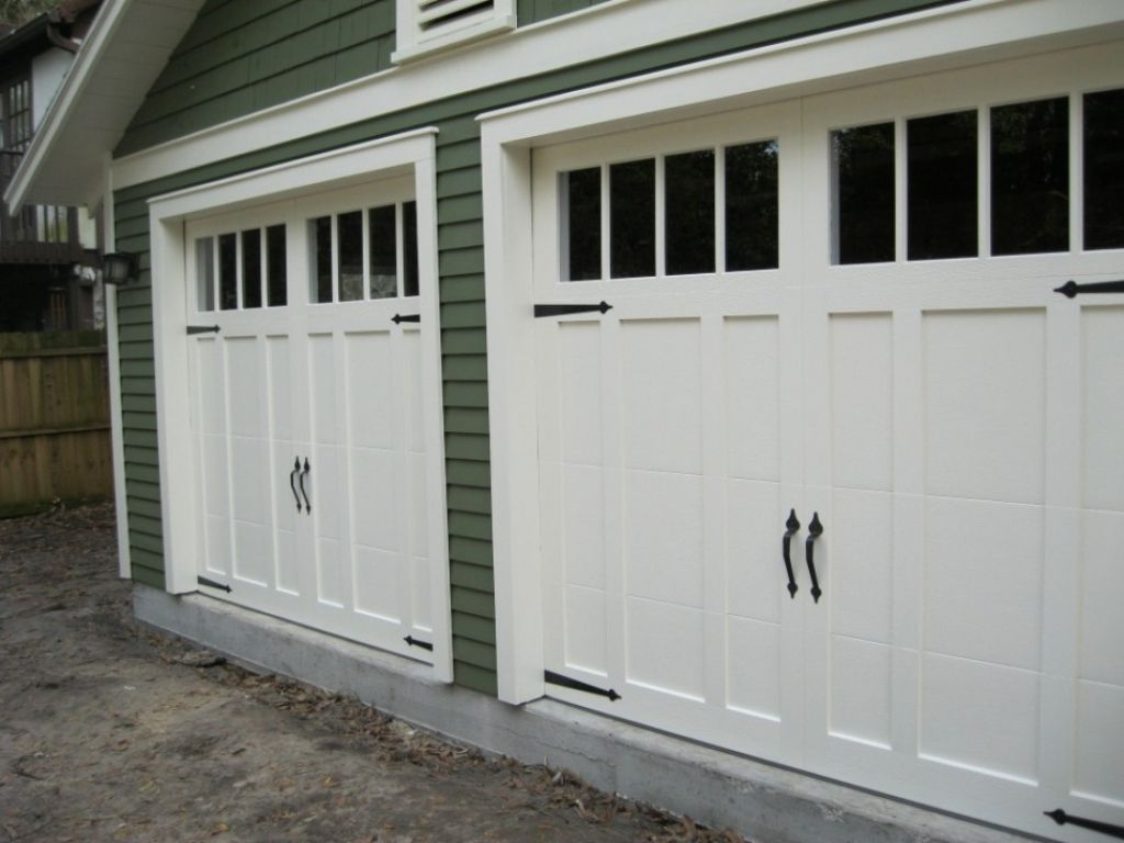 Carriage Style Garage Doors For Any Home In 2020 Craftsman Style Garage Doors Carriage Style Garage Doors Carriage Garage Doors