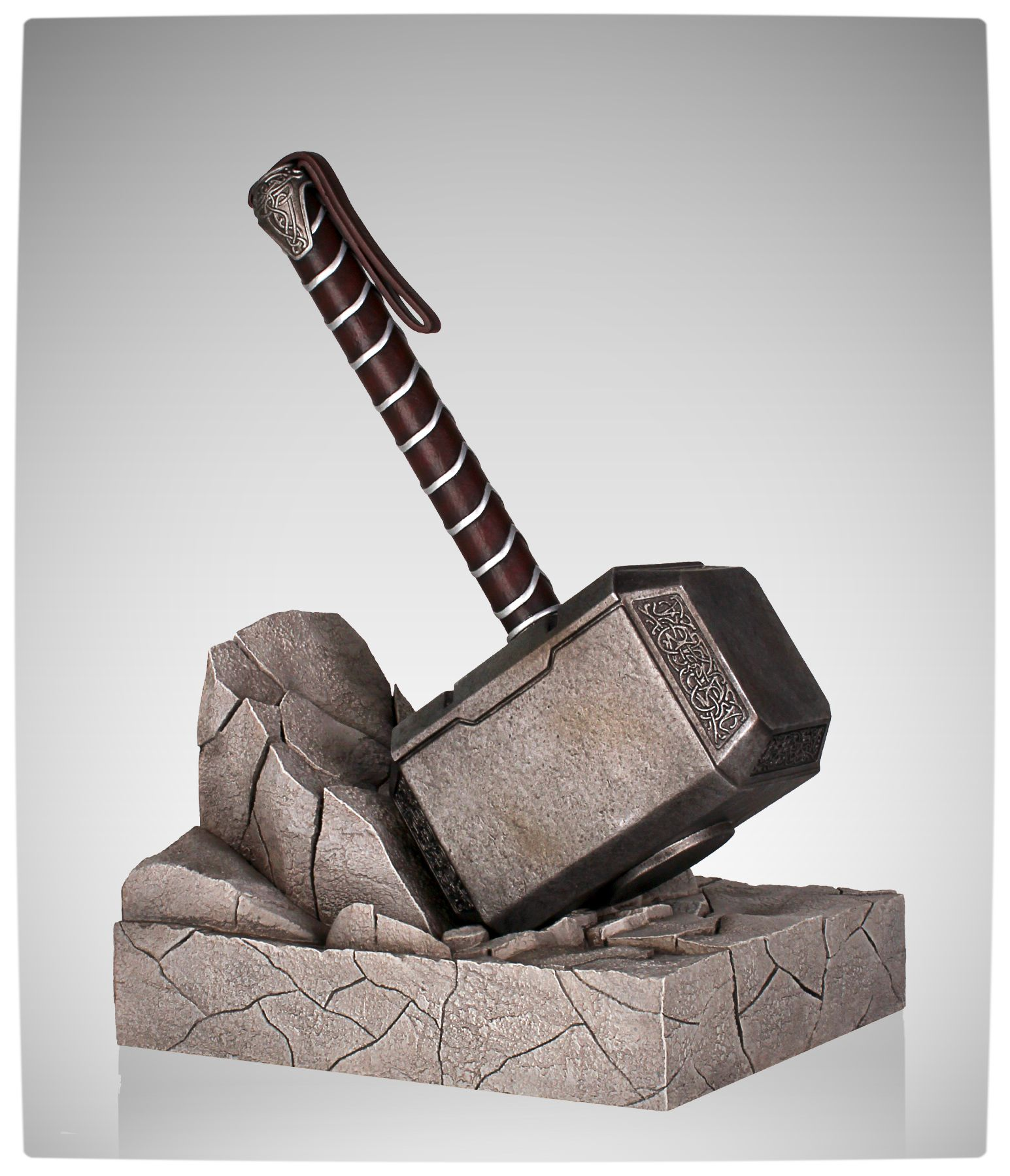 vamers suatmm keeps your books safe with this gorgeous thor