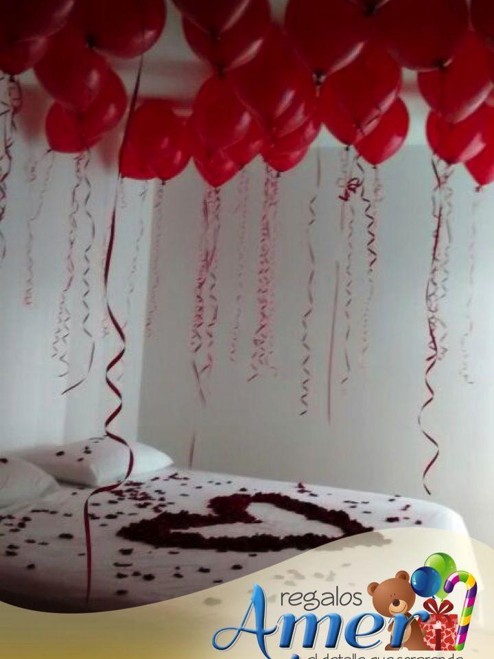 Pétalos De Rosas Globos Velas Para Un Aniversario