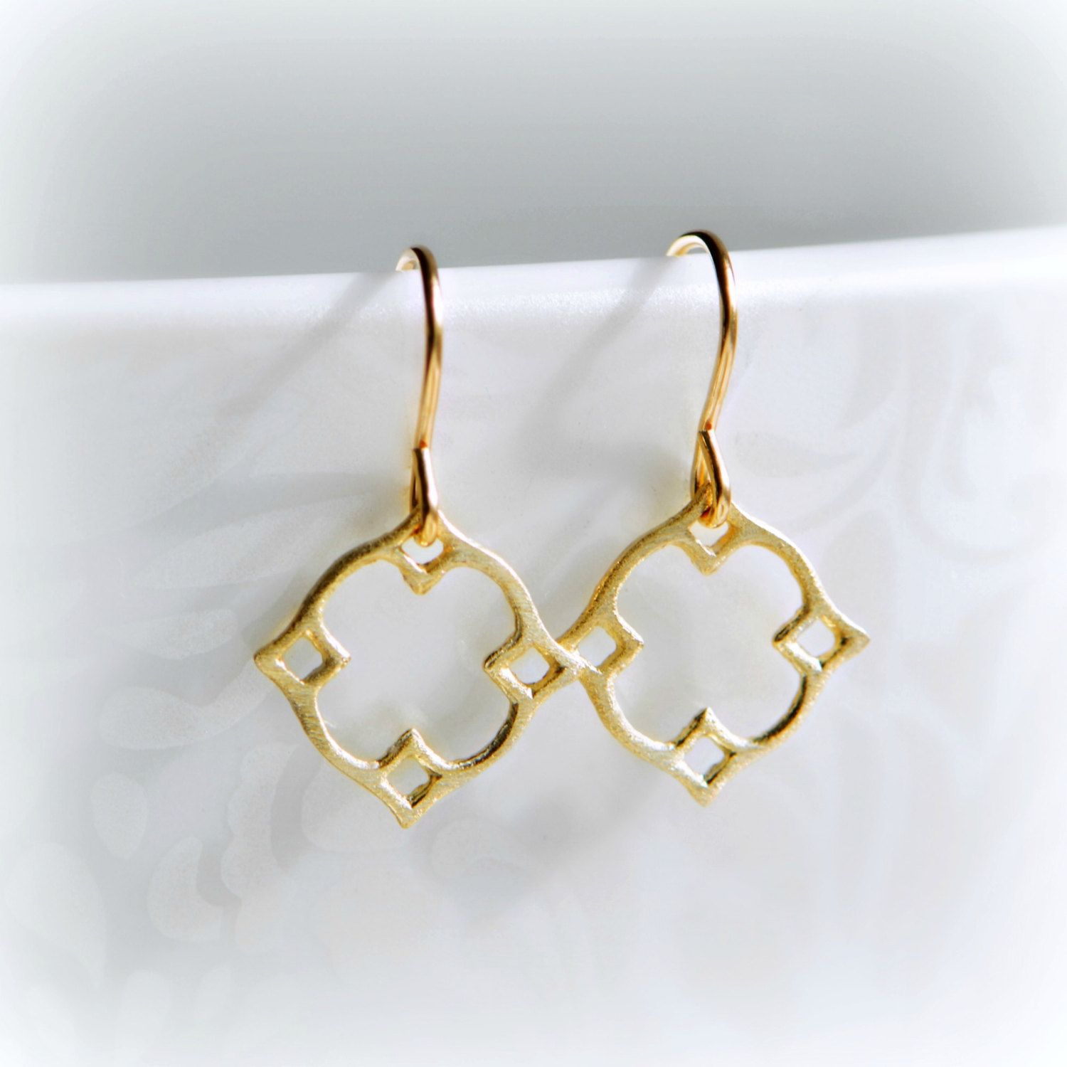 trillion earrings gold web and white p oro classic delicate vrai products modern diamond
