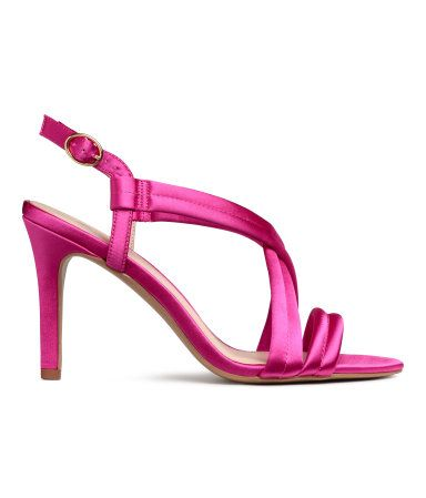 1648472152e Sandalettes