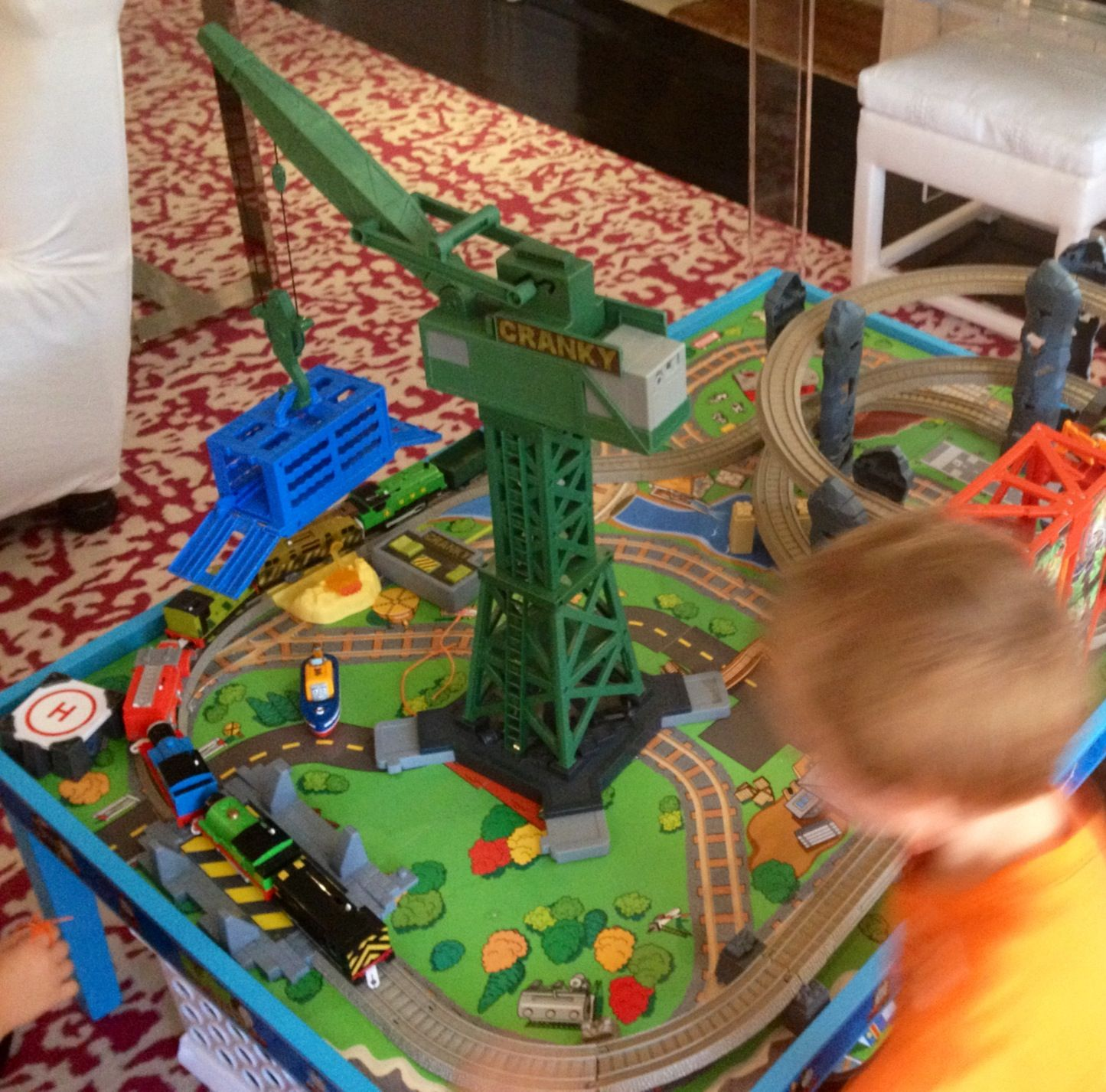 Coffee Table Train Set Sale: Thomas Train Table And Cranky The Crane