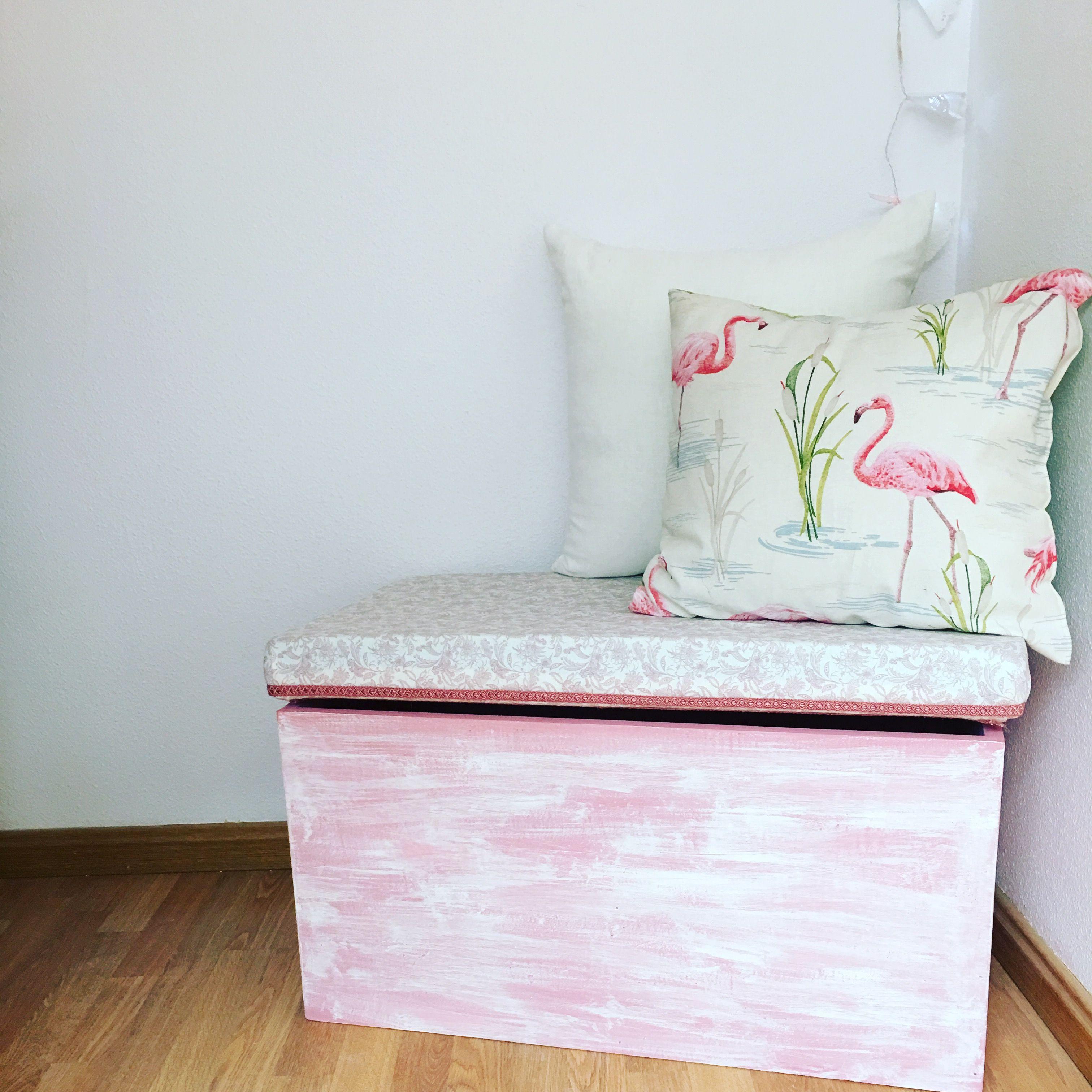 Ba l rosa este mueble est pintado con pintura a la tiza for Muebles pintados a la tiza