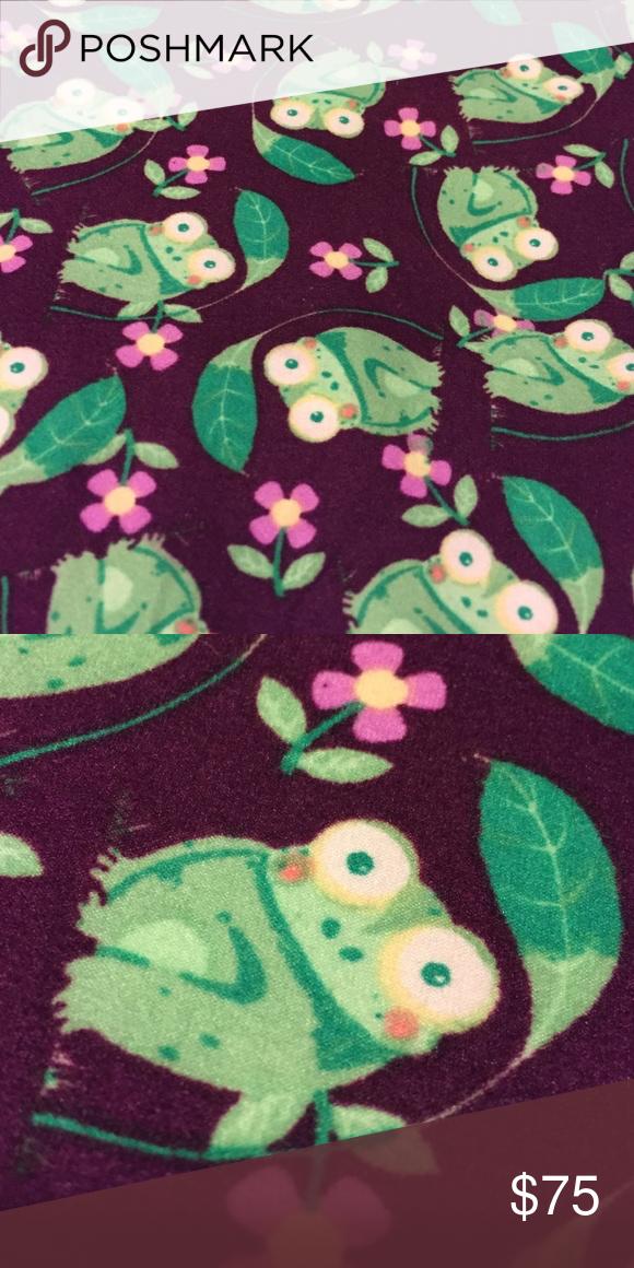 ed9f21cb3f55ad BNWT LULAROE FROG OS LEGGINGS 🦄🐸🦄 BRAND NEW LULAROE Frog 🐸 Print  Leggings. One Size. Price is Firm 🦄 RARE UNICORN 🦄 LuLaRoe Pants Leggings