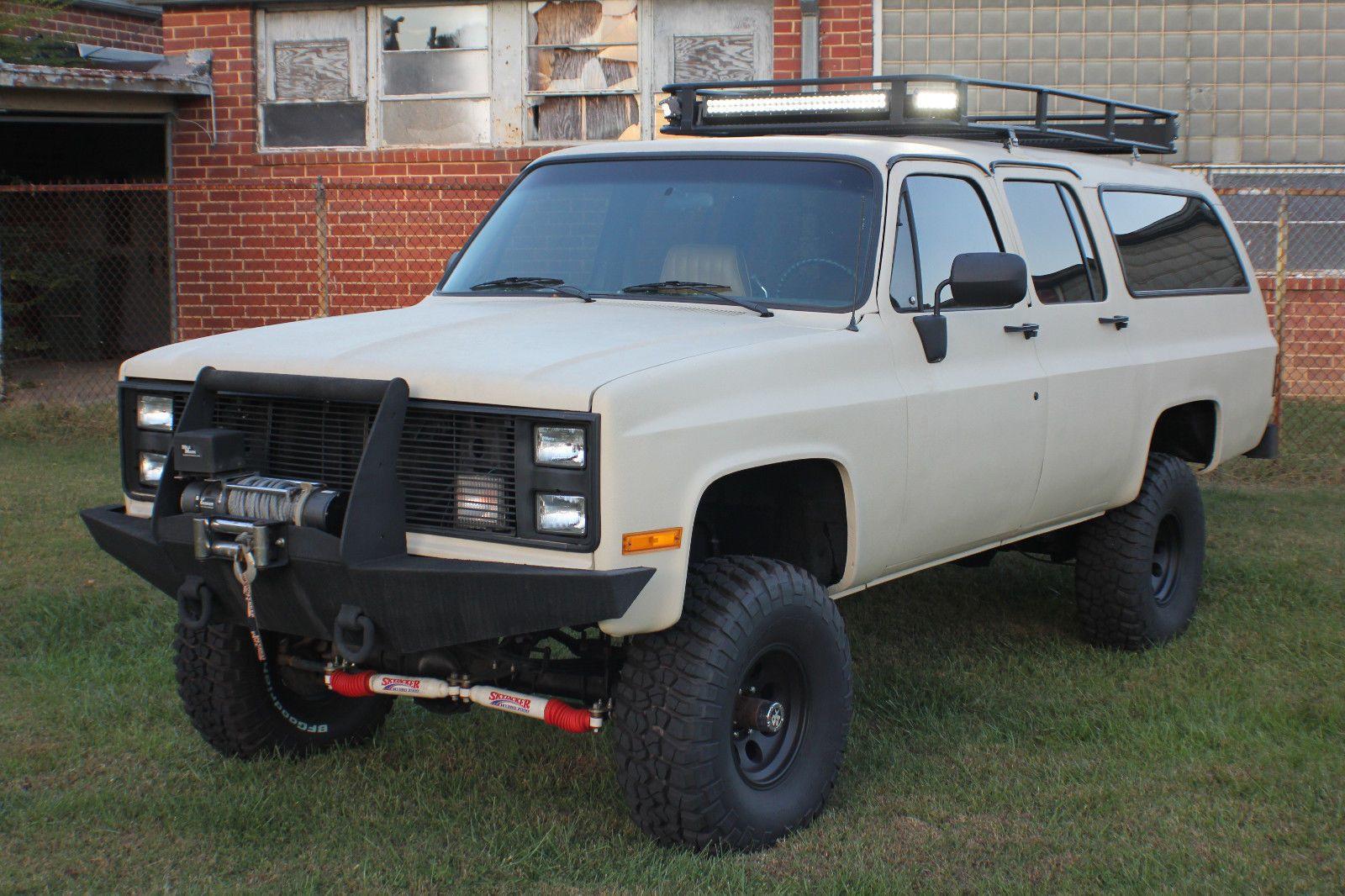 Fully Customized 1985 Chevrolet Suburban