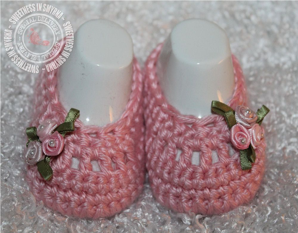 85ed1d559583 Baby Shoes - Crochet Baby Booties - Baby Girl Booties - Ballet Slippers -  Pink - Dainty Flowers - Photo Prop - READY TO SHIP.  18.99