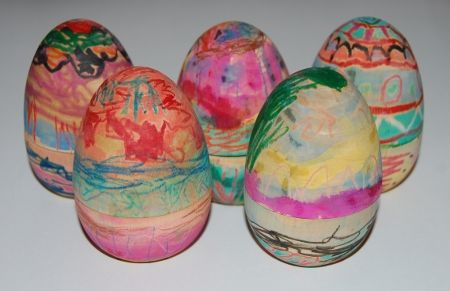 2 books about unusual friendships and eggs! Plus making beautiful eggs using wax crayons