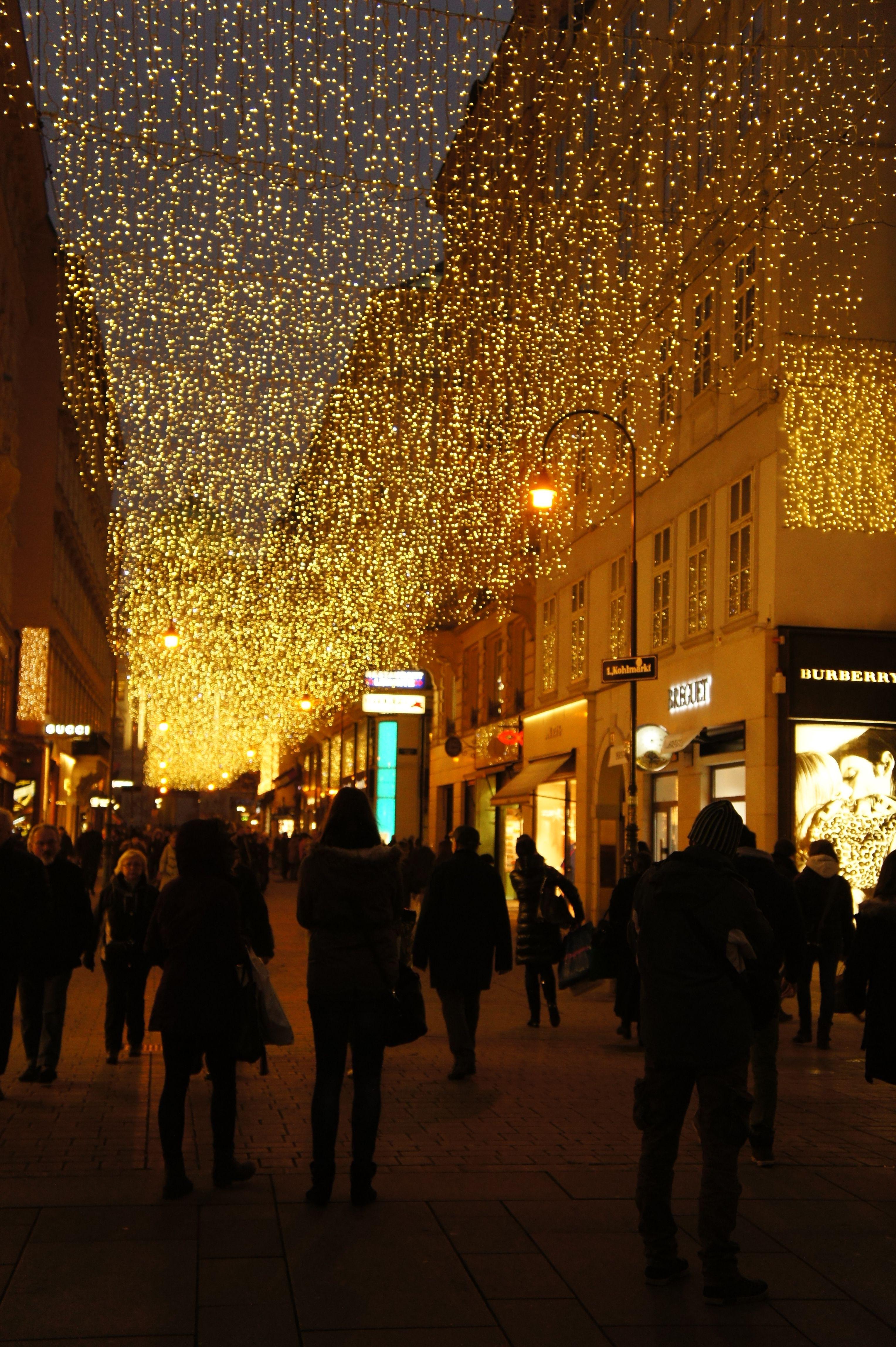 Beautiful Christmas Lights In Viennau0027s Christmas Markets!