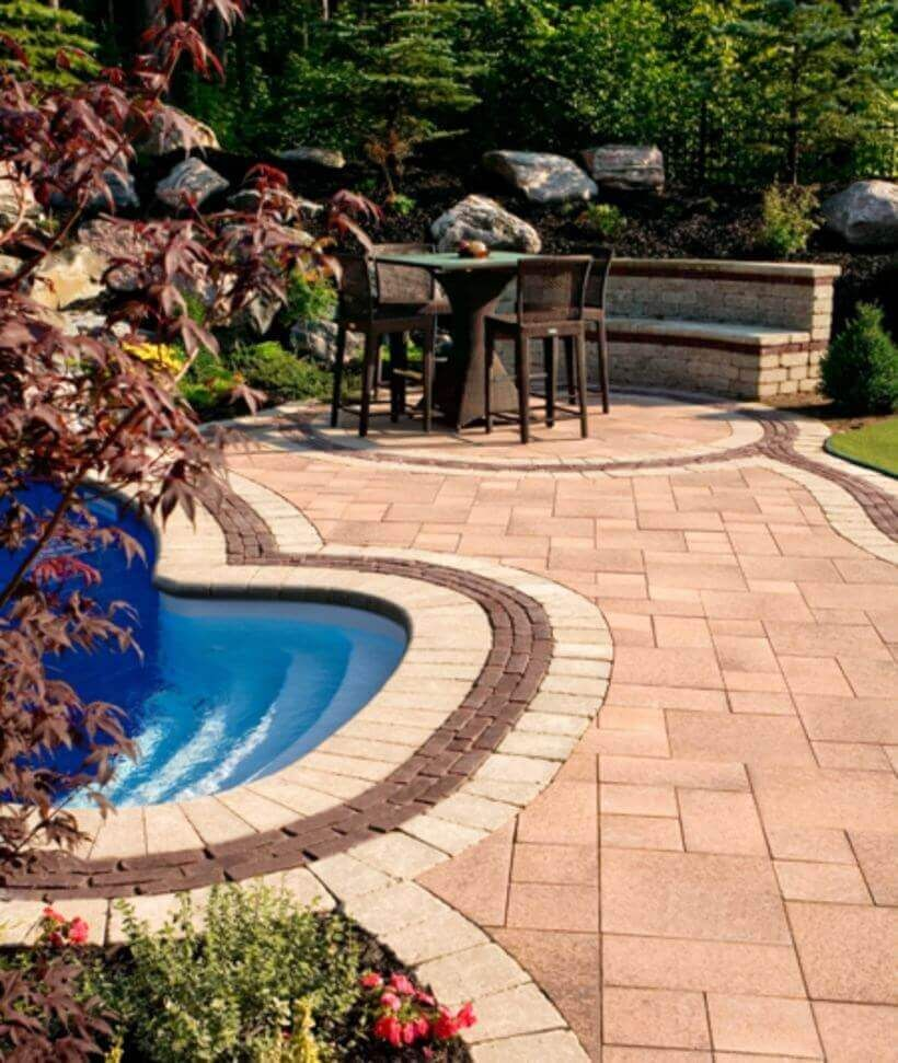 25 Welcoming Pool Deck Seating Areas | Pool Landscaping Ideas