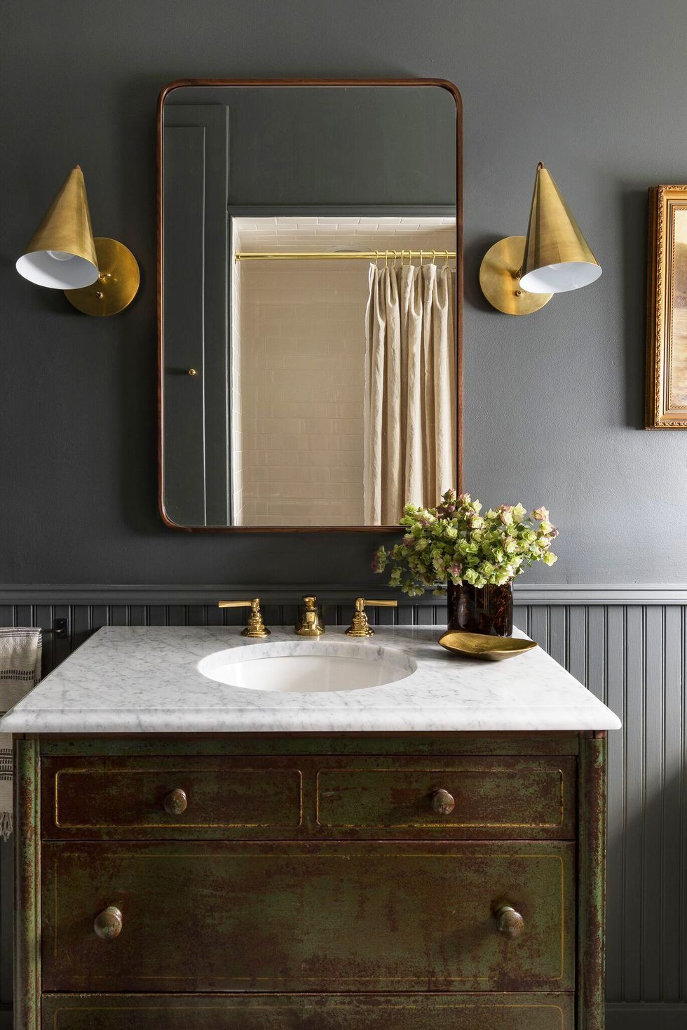 22 Bathroom Paint Color Ideas To Steal For A Quick Upgrade Guest Bathroom Small Small Dark Bathroom Bathroom Colors