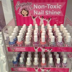 The new line of Glamspiration and Co non-toxic nail shine contains no harmful chemicals, and $1 from each bottle sold goes to Because I Am A Girl Canada. 2015 Holiday Gift Guide - Tweenhood.ca