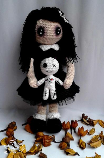 Patron Amigurumi Lolita Gótica Con Muñeco Vudú Amigurumi