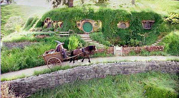 The Hobbit Bag End House Interior | Fictional Eco Homes For Design  Inspiration