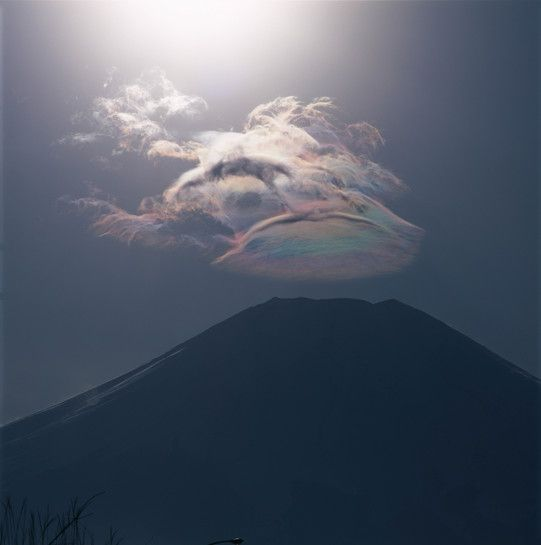 Mount Fuji, the highest mountain in Japan, is already a spectacular natural phenomenon so it's hard to imagine capturing all of its splendor in one still photograph. However, photographer Yukio Ohyama has found ways to present the powerfully captivating landscape in incredibly unique and awe-inspiring ways.