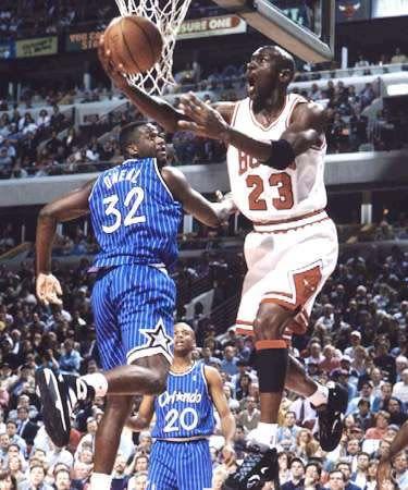 Michael Jordan: 12 minutes of reverse layups