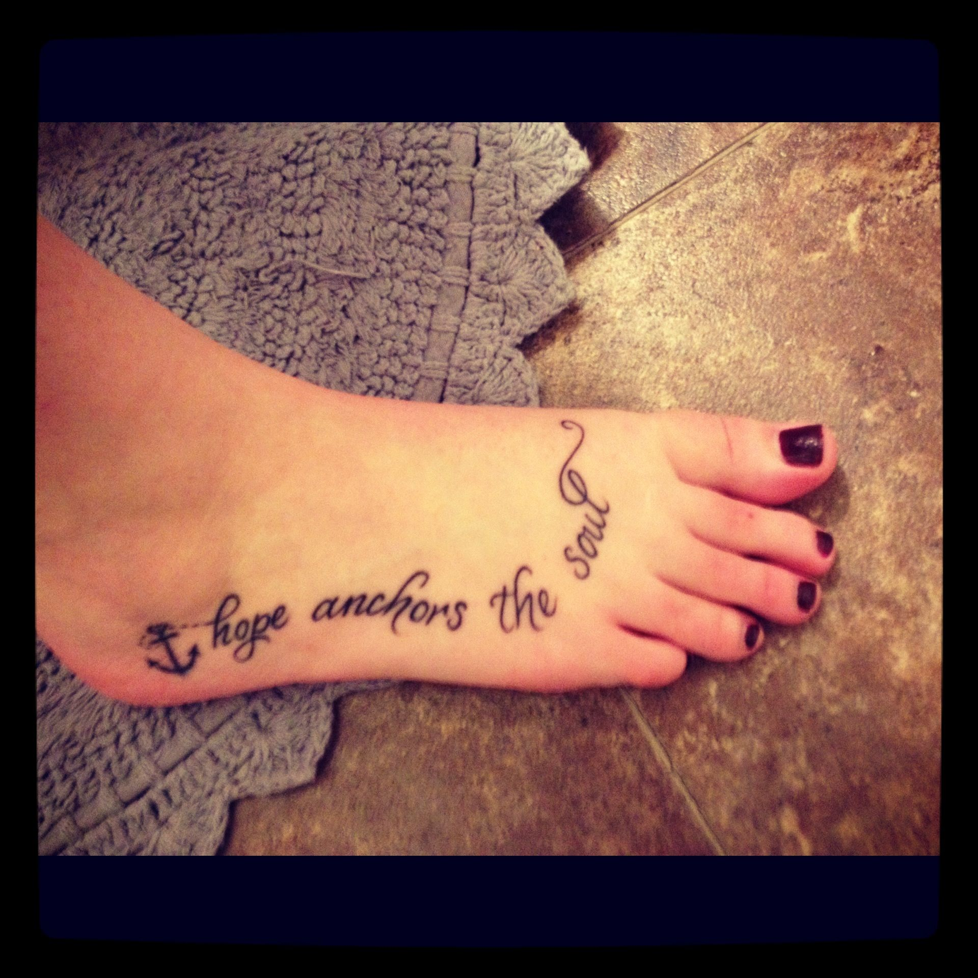Hope Anchors The Soul Actually Really Like This Tattoo Tattoos Hope Tattoo Sleeve Tattoos For Women