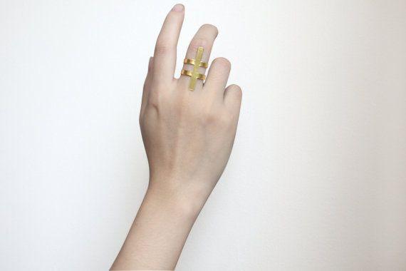 Spine Brass Ring