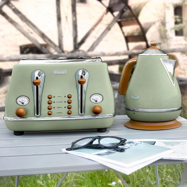 Delonghi Vintage Icona Kettle And Toaster Mint Khaki