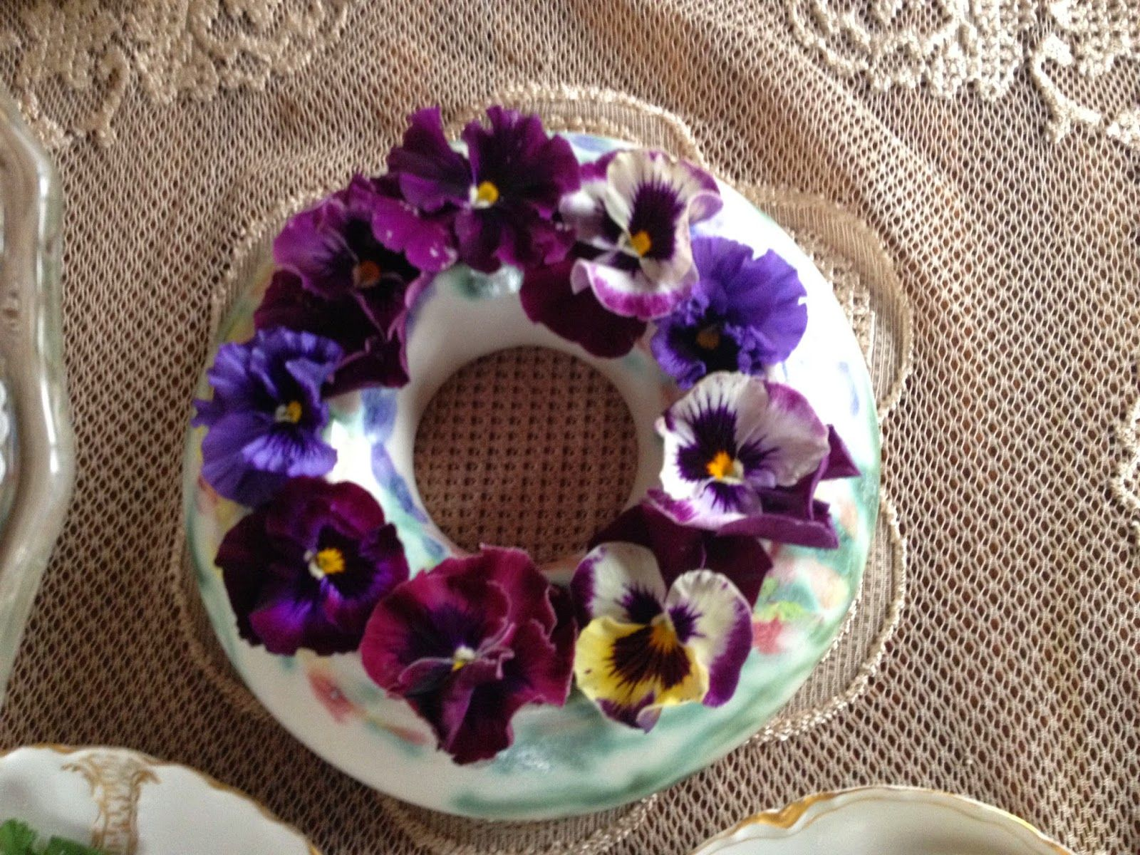 Pansies In A Pansy Ring Decorating A Dinner Table Pansies Traditional Vases Fragrant Flowers