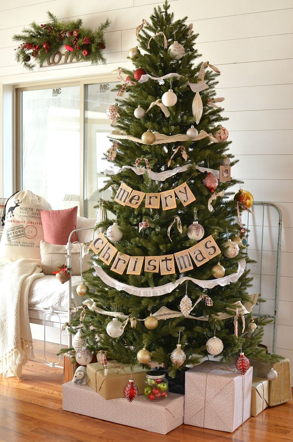 Vintage Farmhouse Christmas Tree Sarah Joy Elegant Christmas Trees Christmas Tree Decorations Diy Beautiful Christmas Trees