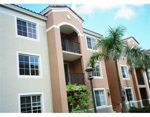 6861 SW 44 ST Miami FL 33155