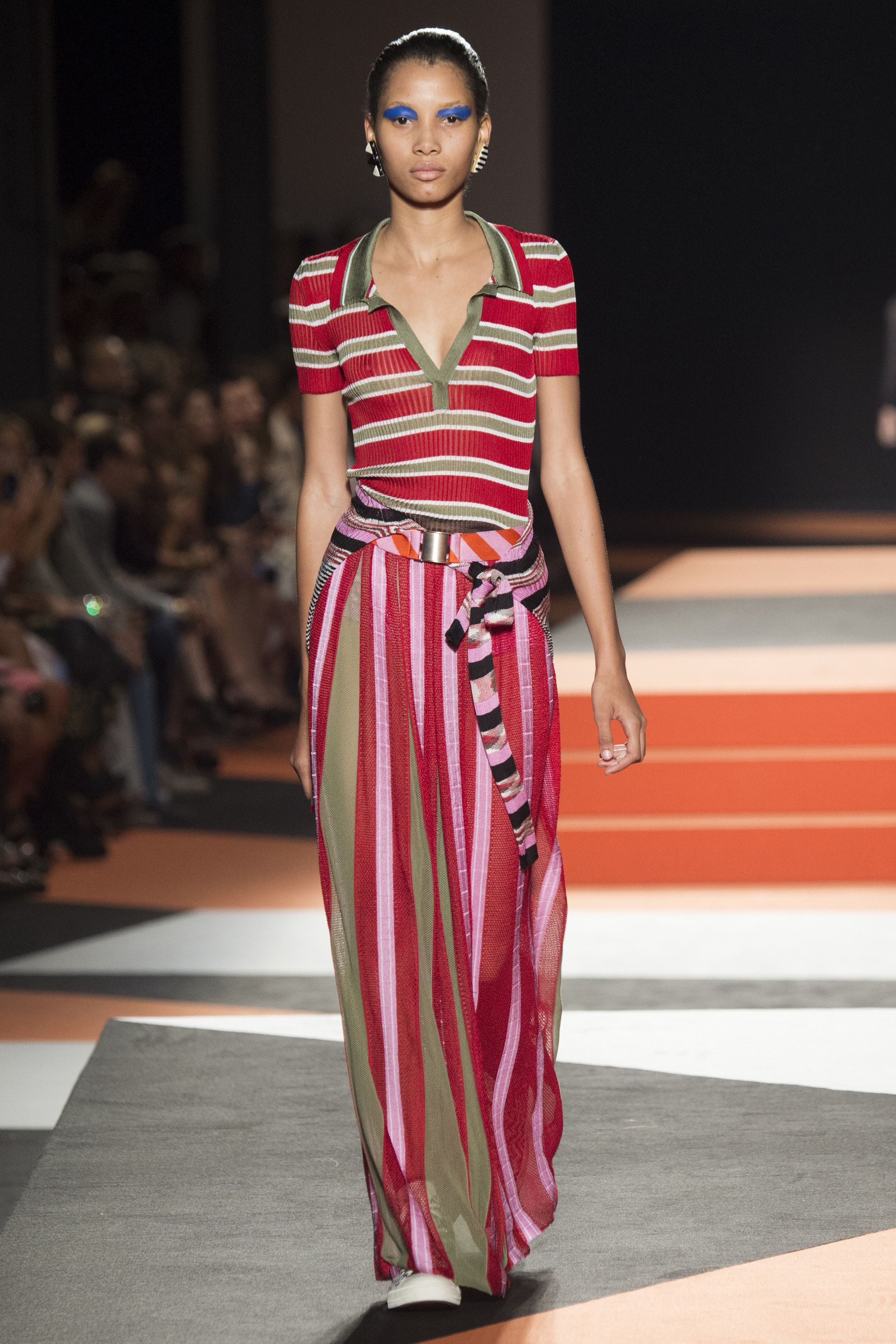 size 40 4428d 87e56 Missoni Spring 2016 Ready-to-Wear Fashion Show in 2019 | My ...