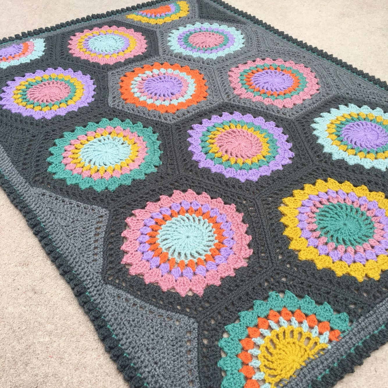 Hexagon burst blanket pattern by cypresstextiles crochet hexagon burst blanket pattern by cypresstextiles bankloansurffo Image collections