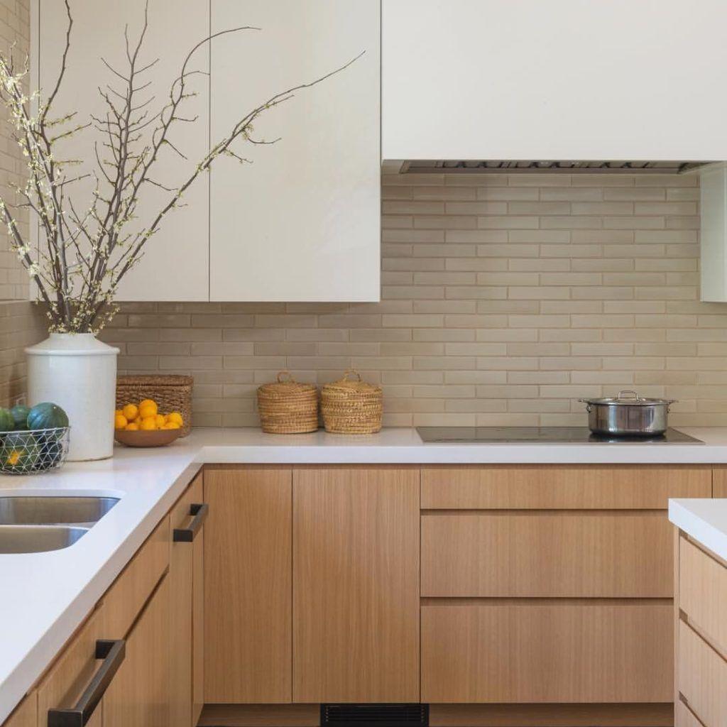 30 Simple Stylish Scandinavian Style Kitchen Designe Ideas 2020 In 2020 Scandinavian Kitchen Design Scandinavian Kitchen Disc Interiors