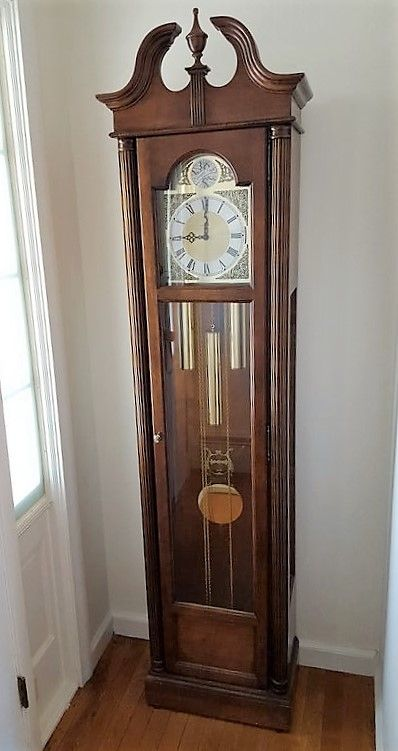 Howard Miller Wood Cabinet Grandfather Clock With Key And Brass
