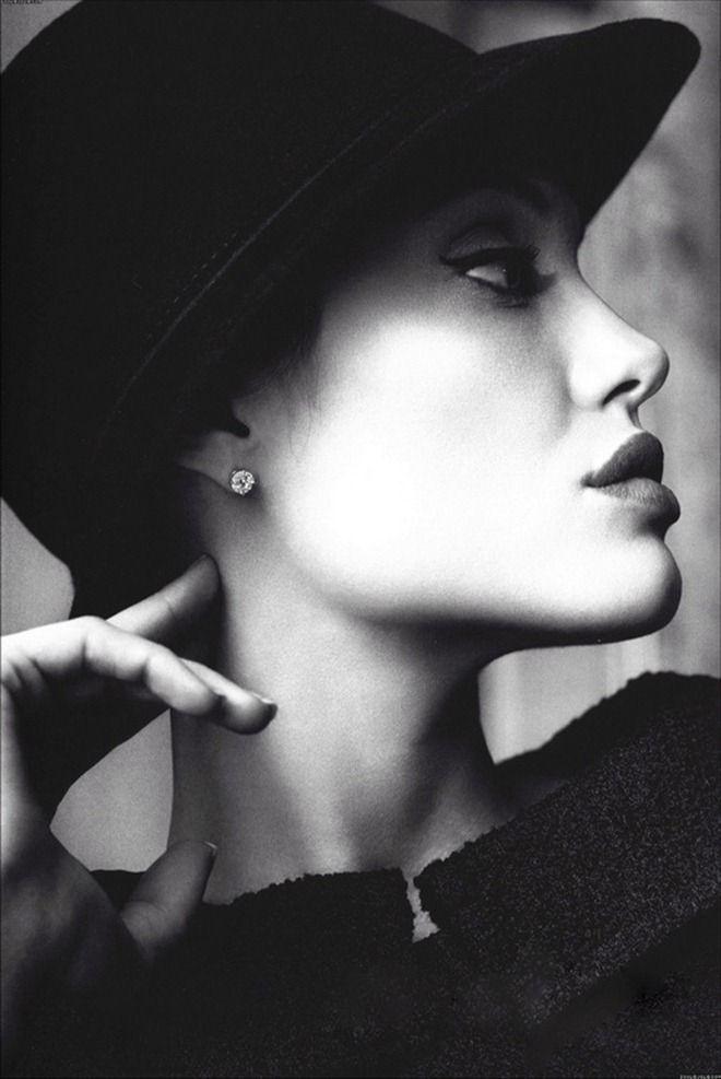 Angelina Jolie Photos from Mario Testino (12 photos) - Xaxor