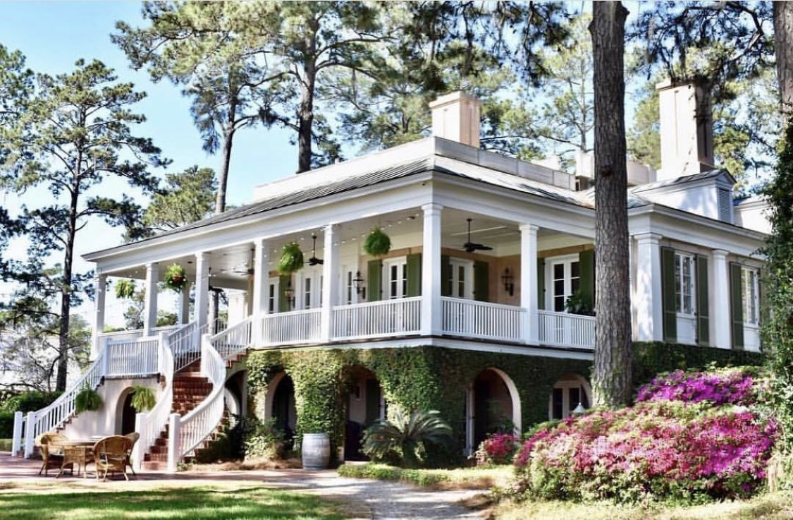 Pin By Lisa Shoemaker On House Plans Country Style Homes Low Country Homes Country House Decor