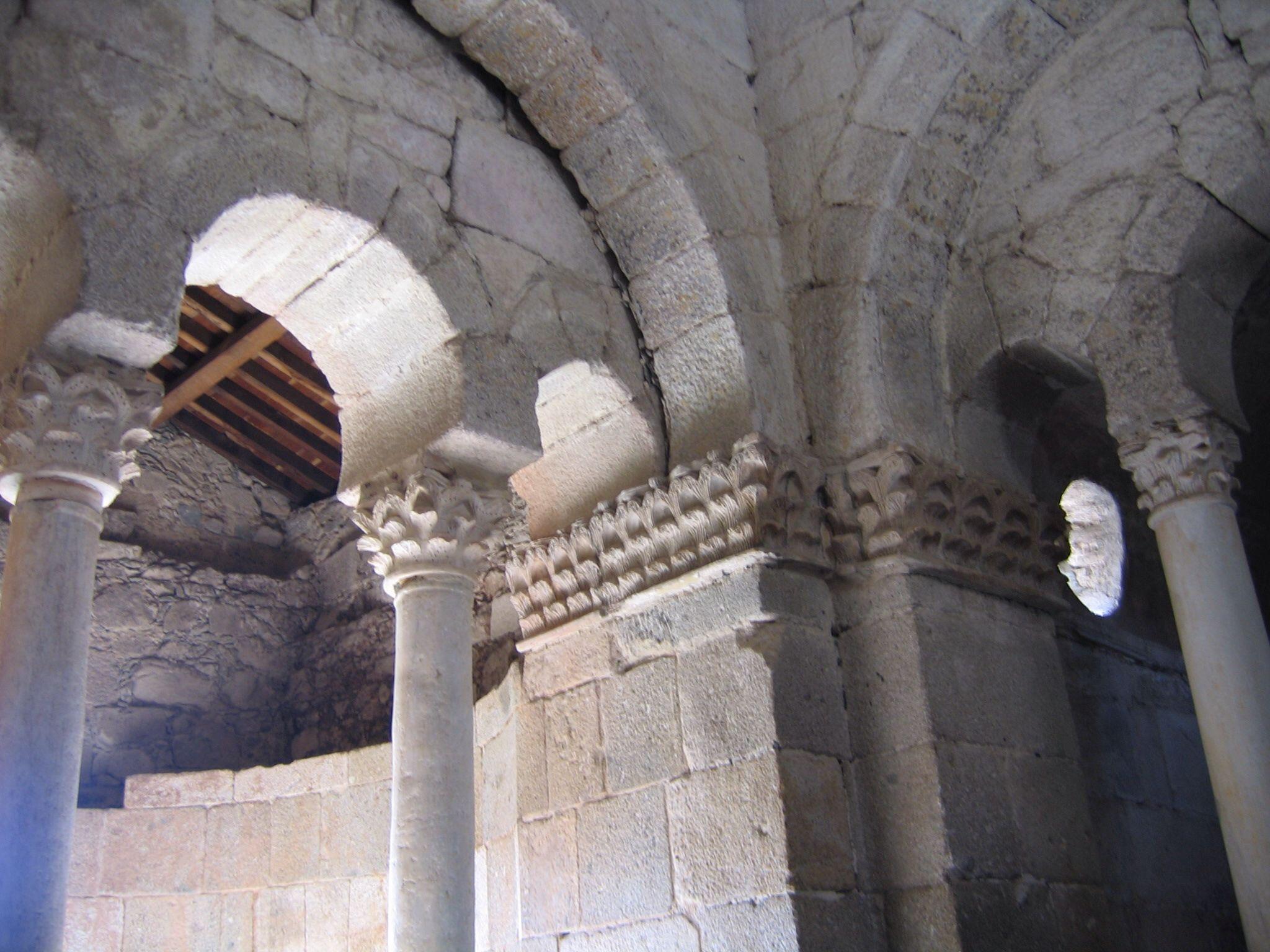 San Fructuoso de Montelios (en portugués São Frutuoso de Montélios) es una capilla visigoda que se encuentra en la actual Braga (Portugal), se construyó entre los s. V y VI. Se encuadra en el marco histórico de la antigua Hispania visigoda / https://www.flickr.com/photos/20950440@N02/2248281425/sizes/o/
