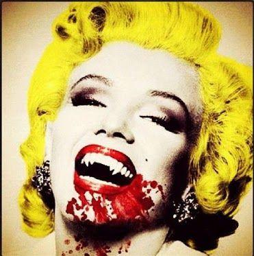 ¿Quién quiere dar unos buenos mordisquitos este Halloween? ;-)    En Funidelia tenemos los mejores disfraces de vampiros:  http://www.funidelia.es/disfraces-de-vampiros-1036