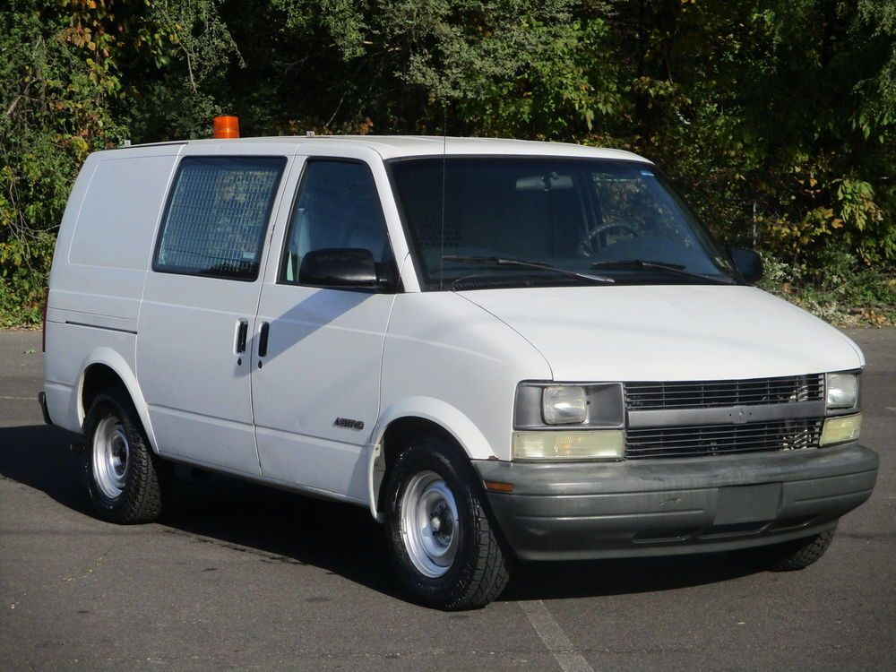 2000 chevrolet astro cargo van 2nd owner tools shelves 2000 chevy astro van no reserve clean runs drives great ebay li chevrolet astro cargo van astro van pinterest