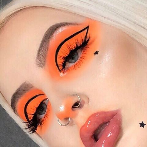Daring Makeup Looks To Try ASAP - Society19