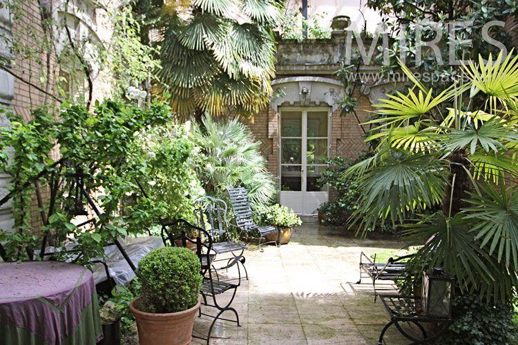 C1020-027 | Maison / Jardin | Jardins, Terrasse, Maison