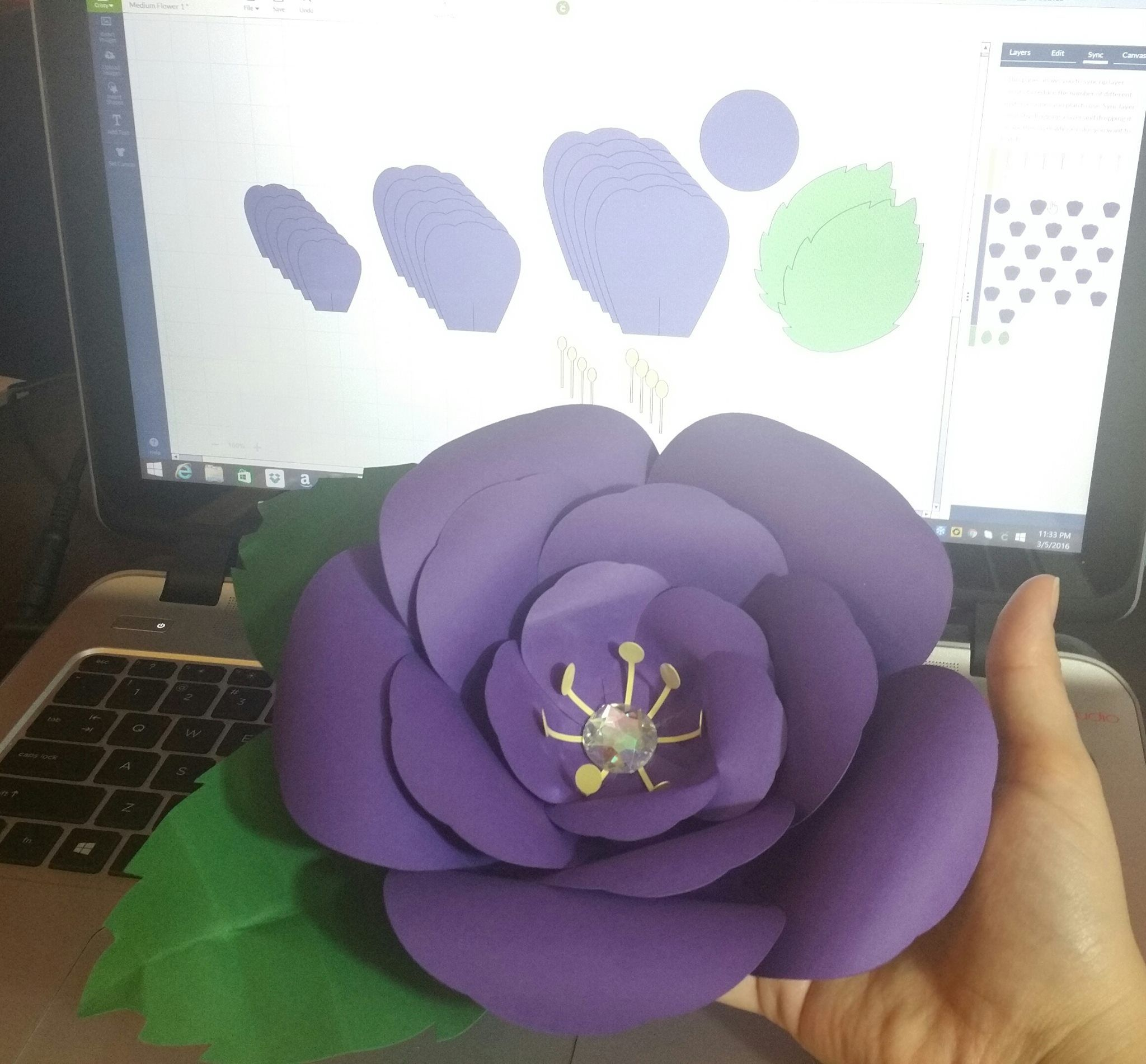 Room decoration with paper cuttings - Free Cricut Design Space Canvas With Cut Files To Make This Giant Paper Flower