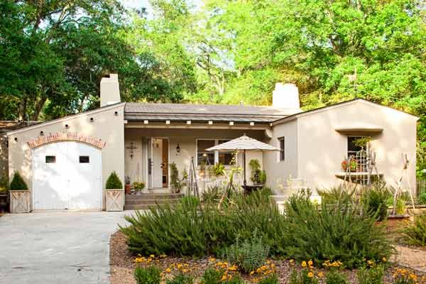 Stucco Exterior Ranch cottage-style comeback for a 1950s stucco ranch   cottage style